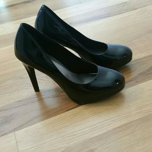 Black Pumps - like new